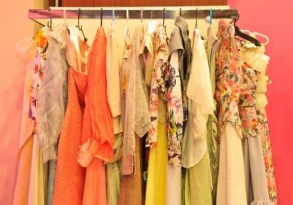 Käytetyt vaatteet vaihtavat vilkkaasti omistajaa netissä