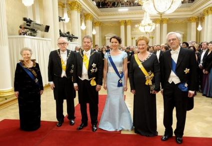 Tänä vuonna Linnan juhlissa saatetaan nähdä paljastavia mekkoja ja pastellia
