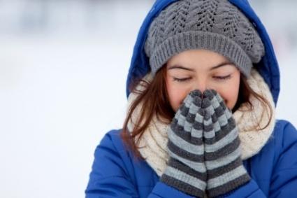 Haittaako vaatteiden sähköisyys talvella? Katso vinkit miten sähköisyyttä voi vähentää